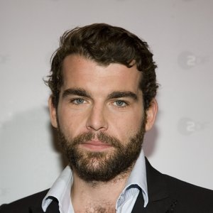Stanley Weber Wiki, Girlfriend or Wife, Married and Net Worth