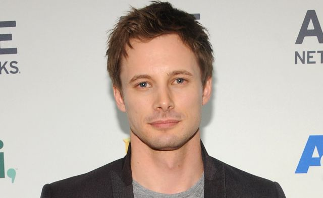 Bradley James Wiki, Married or Girlfriend and Gay
