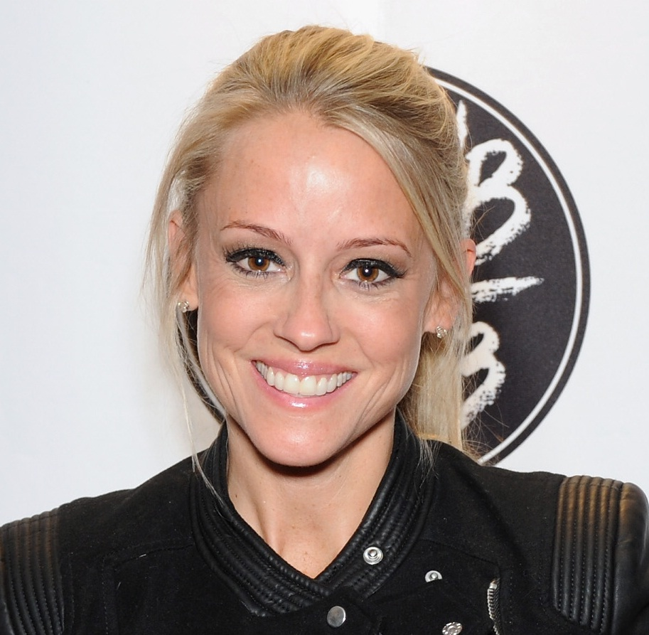 Nicole Curtis Wiki, Husband Or Boyfriend, Dating Or