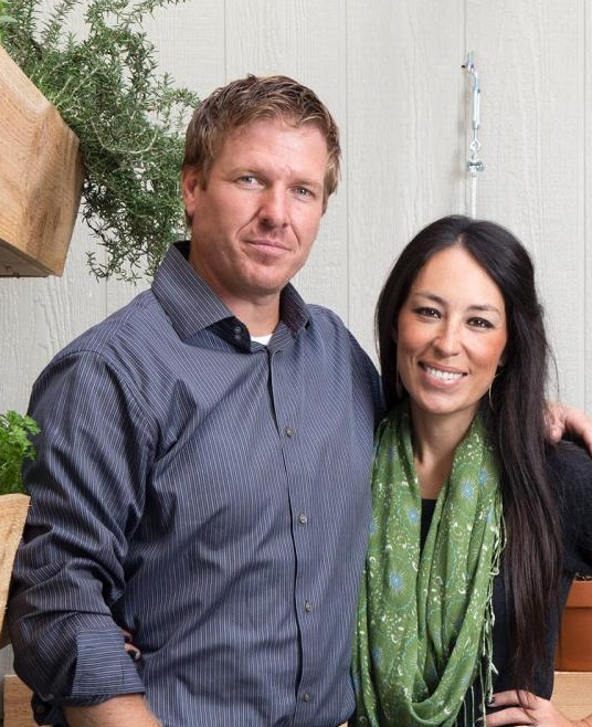 chip and joanna gaines fixer upper. Black Bedroom Furniture Sets. Home Design Ideas